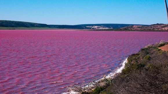 BIZARUL Lac Hillier. Cercetătorii nu au o explicație logică pentru culoarea apei