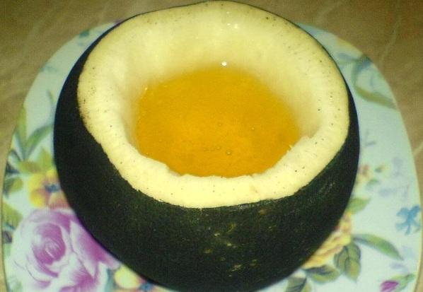 Siropul de ridiche neagra cu miere de albine. Extrem de eficient! Combate si trateaza tusea, raguseala, gripa si raceala