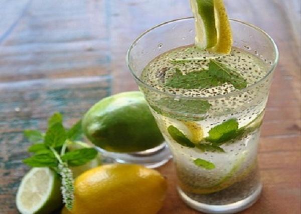 Apa de Chia: Incepeți ziua cu această băutură bogată în fibre – Ajută digestia, inima, controlează glicemia, susține pierderea în greutate